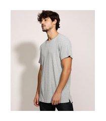 camiseta masculina longa manga curta gola careca cinza mescla