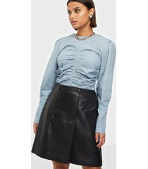 selected femme slfalberte mw leather skirt w minikjolar