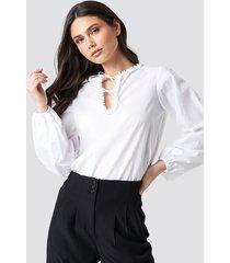 na-kd boho tie detail neckline blouse - white