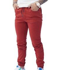 pantalón jogger rojo ladrillo hombre manpotsherd