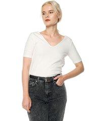 camiseta blanco hueso  mng
