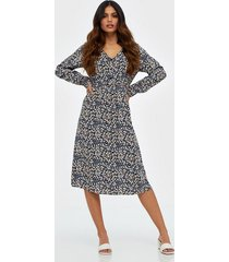pieces pcnoemi ls midi dress pb bc loose fit dresses