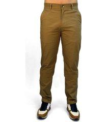 pantalón miel tipo chino para hombre delascar pc0431