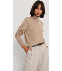 na-kd trend tröja i merinoull med hög krage - beige