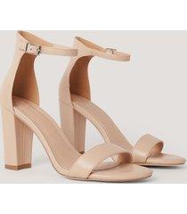 na-kd shoes bassandal med hög blockklack - beige