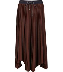 brown pleated skirt