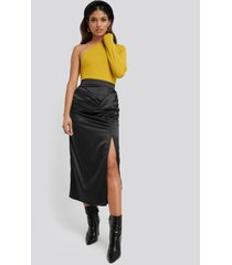 na-kd party side split draped skirt - black