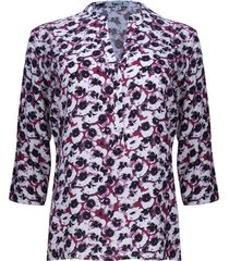 blusa estampada floral color vino, talla l