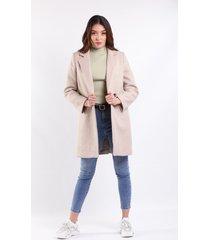 abrigo beige para dama con bolsillos laterales