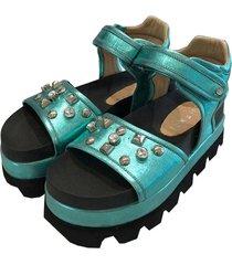 sandalia de cuero verde chenzi electra