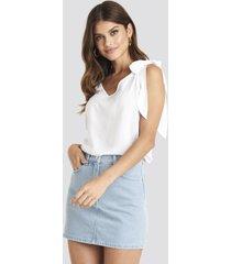 na-kd high waist denim mini skirt - blue