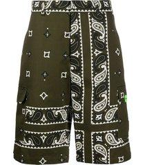 msgm bandana-print cargo shorts - green