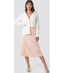 na-kd party bias cut satin midi skirt - pink