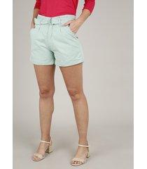 short de sarja feminino clochard com barra dobrada e cinto verde claro