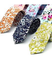 cravatta floreale in cotone