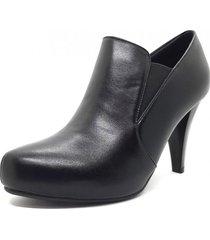 zapato negro marta sixto