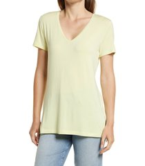 halogen(r) v-neck tunic t-shirt, size medium in green wheat at nordstrom