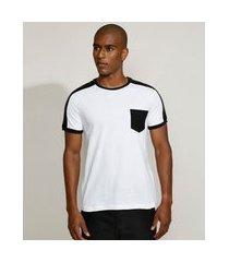 camiseta masculina slim com bolso e recorte manga curta gola careca branca