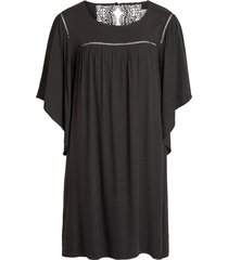 jurk 3/4-mouw, kanten detail