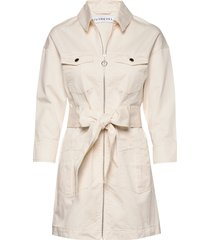 utility twill dress trenchcoat lange jas beige ivyrevel