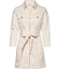 utility twill dress trenchcoat lange jas beige ivyrevel