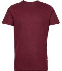 basic cotton tee t-shirts short-sleeved röd kronstadt