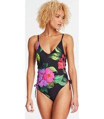 jednoczęściowy kostium kąpielowy w kwiaty