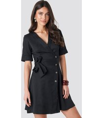 na-kd boho asymmetric buttoned mini dress - black