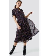 na-kd boho shirred detail flowy chiffon dress - purple