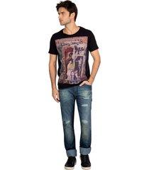 t-shirt colagem guess - preto - masculino - dafiti