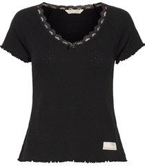 not giving in top t-shirts & tops short-sleeved zwart odd molly