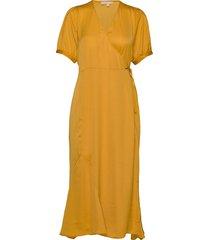 andrea wrap dress knälång klänning gul soft rebels
