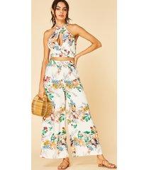 conjunto de blusa blanca con cuello halter y pantalones anchos con estampado floral recortado yoins