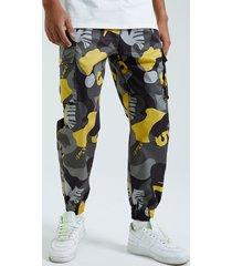 koyye hombre colorful estampado de camuflaje carga pantalones