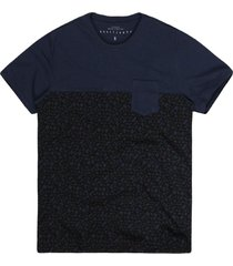 camiseta masculina geométrica azul marinho