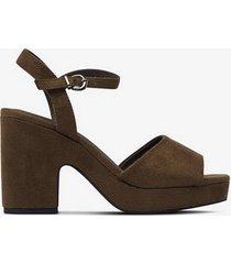 sandalett med platå