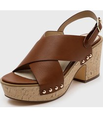 sandalia brut marrón azaleia