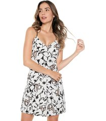 vestido casual estampado en fondo blanco casual natural basic