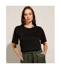 camiseta básica manga curta ampla decote redondo preta