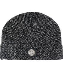 stone island logo-patch knit beanie - black