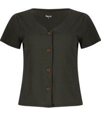 camiseta con botones color verde, talla 10