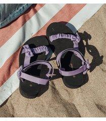 damskie sandały na plażę