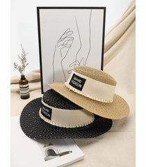 sombrero de paja con diseño plisado y estampado de letras