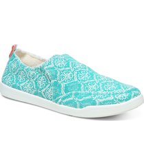 vionic beach collection malibu slip-on sneaker, size 8.5 in aquifer at nordstrom