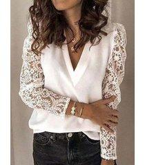 blusa de manga larga con cuello en v y encaje