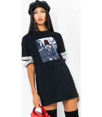 akira street smart short sleeve t-shirt dress
