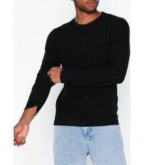 solid alexian o-neck tröjor black