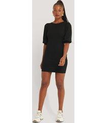 na-kd trend puff half sleeve ribbed mini dress - black