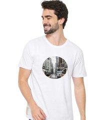 camiseta sandro clothing metropolitan branco - branco - masculino - dafiti