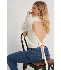 na-kd trend stickad tröja med öppen rygg - offwhite